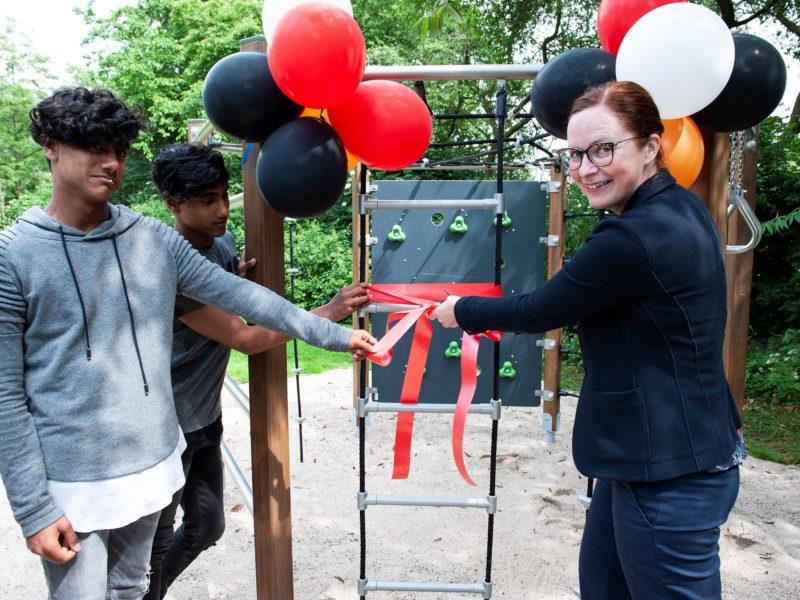 Hyva doneert speeltoestellen aan locatie Rijnhove